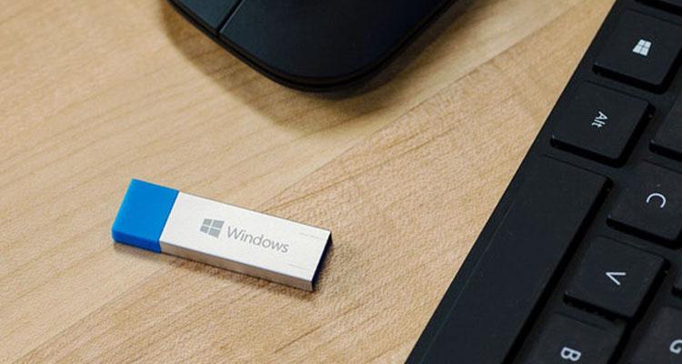 Создаем загрузочную флешку с Windows 10